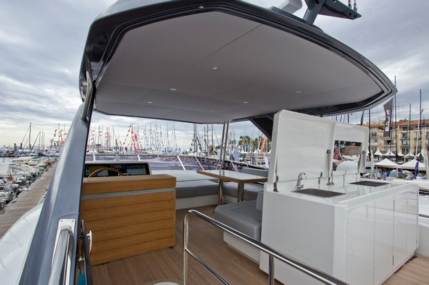 Greenline Oceanclass 68