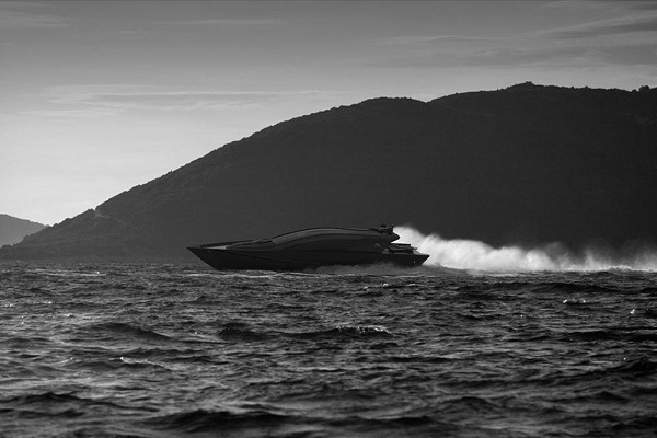 Isurus Power Yacht-2