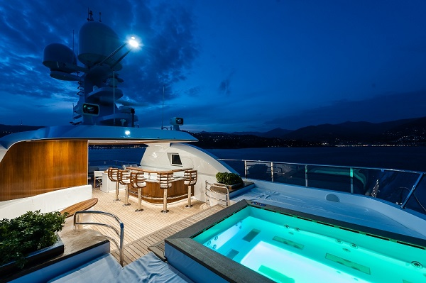 Sunrise Yachts'tan Megayat Atomic 45M-3