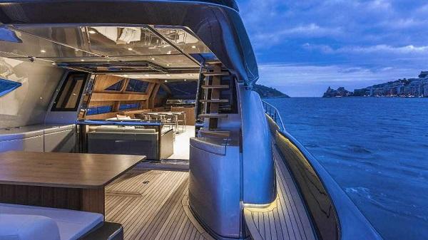 Riva Yacht 88' Domino Super-2