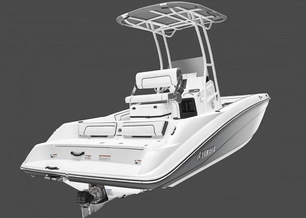 Yamaha'nın ilk orta konsollu jet teknesi